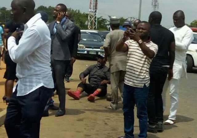 Senator Dino Melaye (APC – Kogi) at Area 1 Bus Stop Abuja [Videos]
